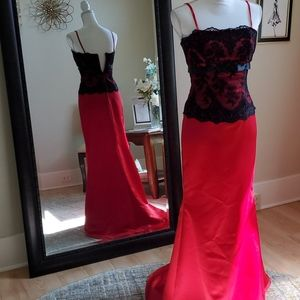"""Size 2 red satin w/ black lace """"bustier"""" look top"""